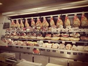 was darf ich essen Sardinien wurst schinken
